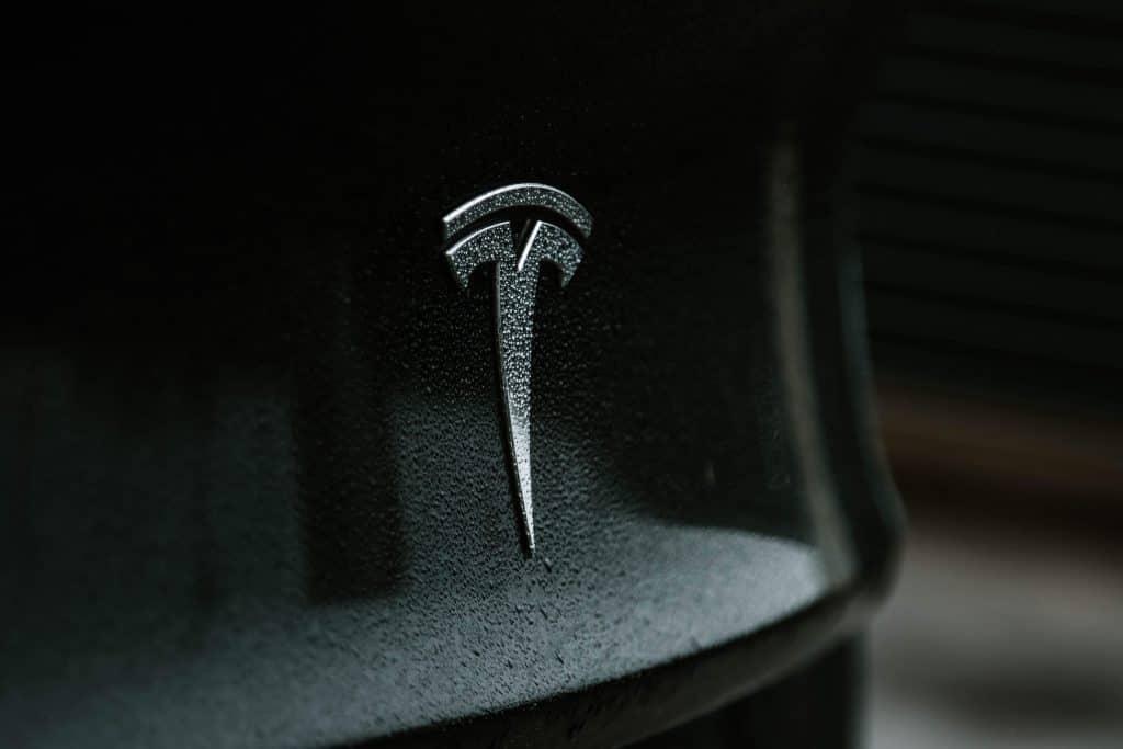 Symbol samochodu Tesla