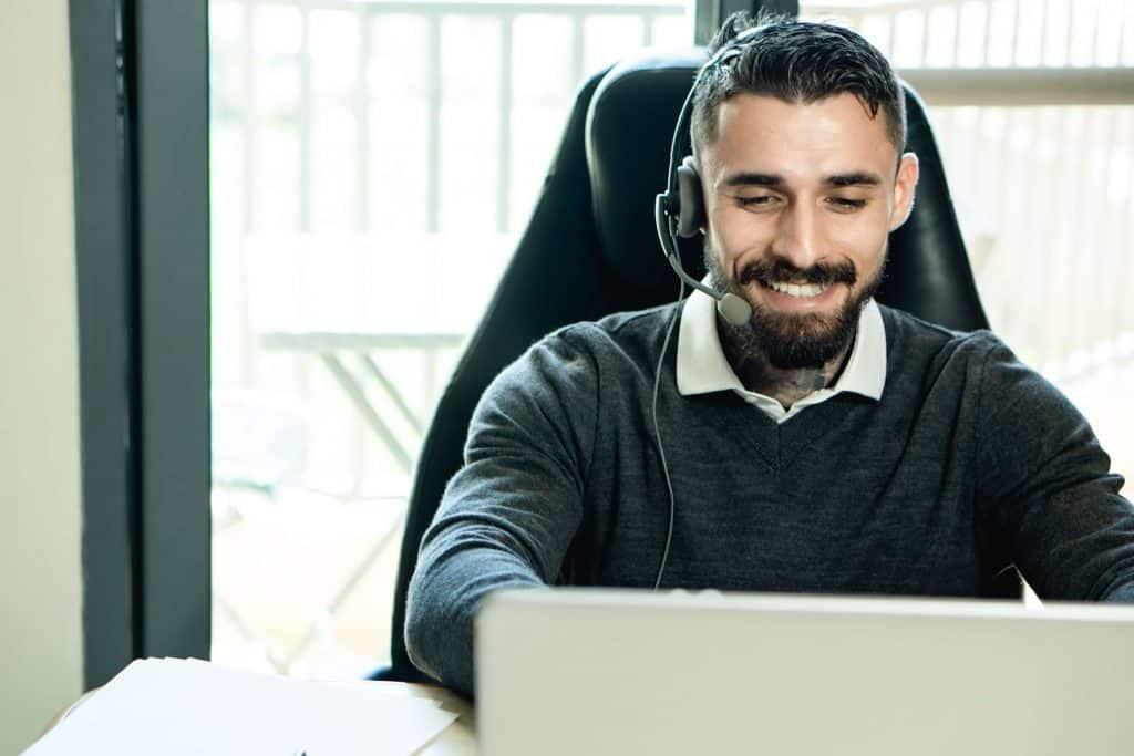 Pracownik call center