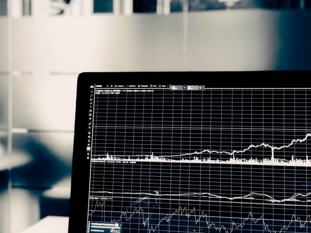 Wykresy na ekranie komputera